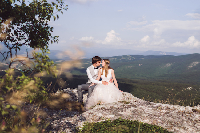 The Best Season for Snowshoe Mountain Weddings